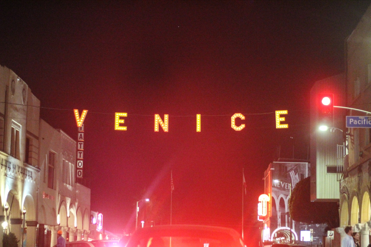 Photowalk: Venice Beach at Night